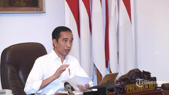 Jokowi Minta Stimulus Ekonomi Diutamakan bagi Perusahaan yang Tak PHK Karyawan