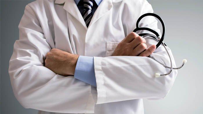 Rindu Anak Istri Tak Dapat Insentif Kisah Dokter di Makassar Rawat 190 Pasien Corona Seorang Diri